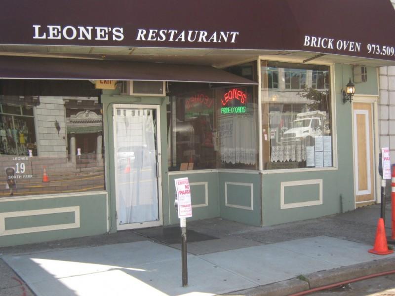 It S A Wrap Quot Kitchen Nightmares Quot Transforms Leone S