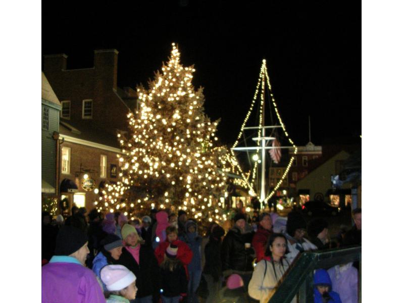 Bowen's Wharf 43rd Annual Christmas Tree Lighting Smithfield RI  - Christmas Trees Ri