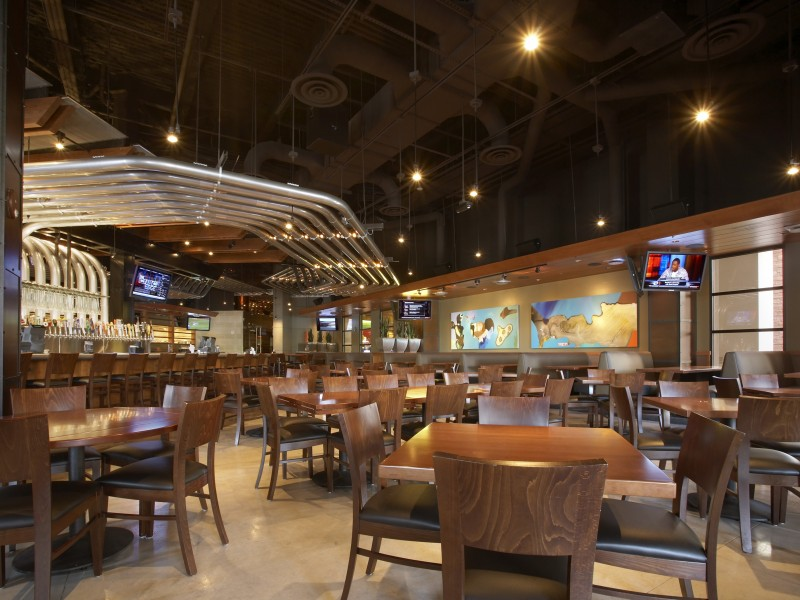 Yard House Serves Up 130 Beers On Tap American Fusion