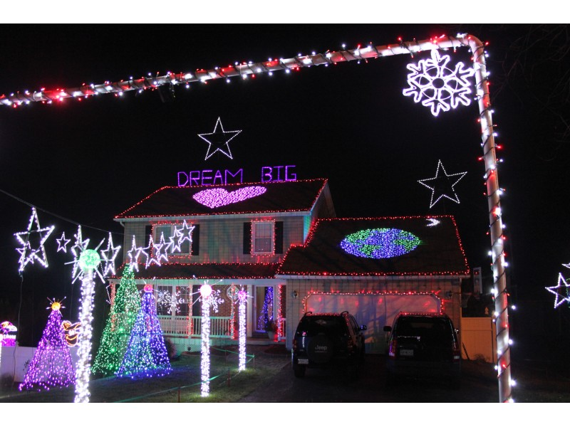 Ellicott City Light Show Brightens Christmas Beyond Howard County ...