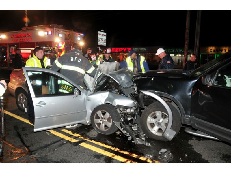Two Hurt In Head On Crash In Commack Commack Ny Patch
