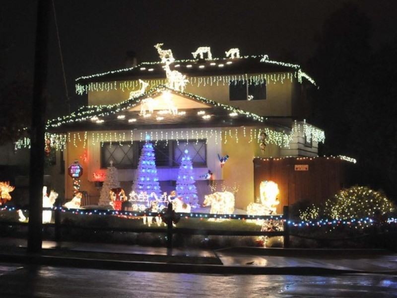 Lights Galore Near and Far for Christmas Delight - Encinitas, CA Patch