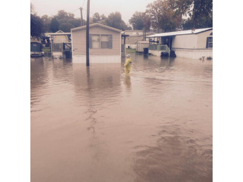Flooding Rain Forces Mobile Home Park Evacuation Closes Roads 0