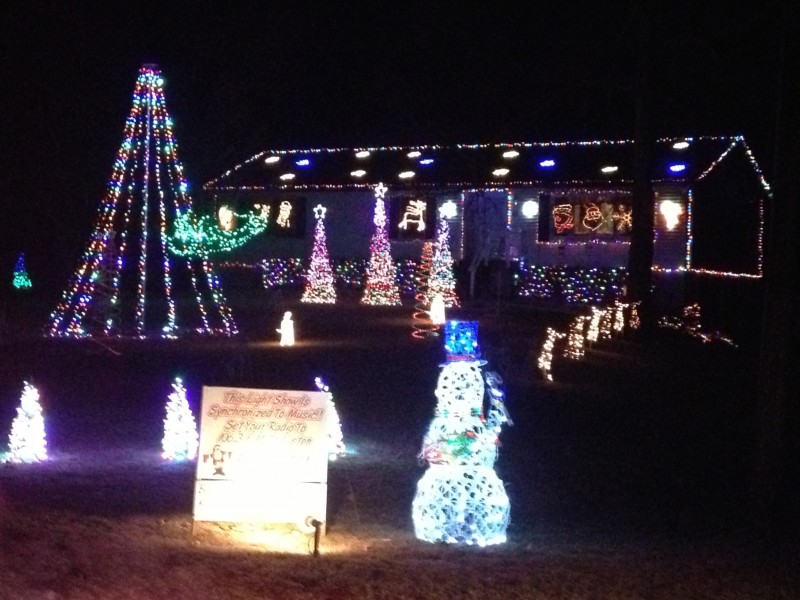 48000 christmas lights set to music in waterford - How To Set Christmas Lights To Music