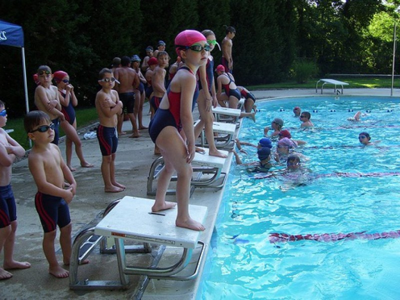 Community swimming pools make friends while you cool down - Opening a swimming pool after winter ...