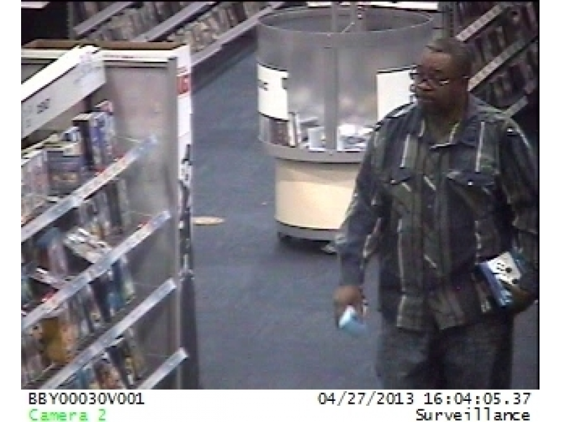 Police looking for st peters gold s gym locker room thief