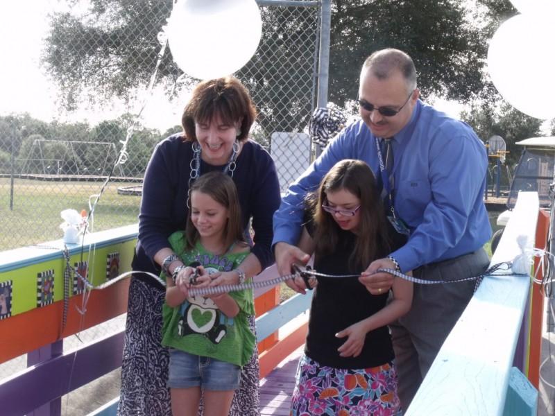 Friendship bridge unites oak park lakeview elementary - Garden park medical center gulfport ms ...