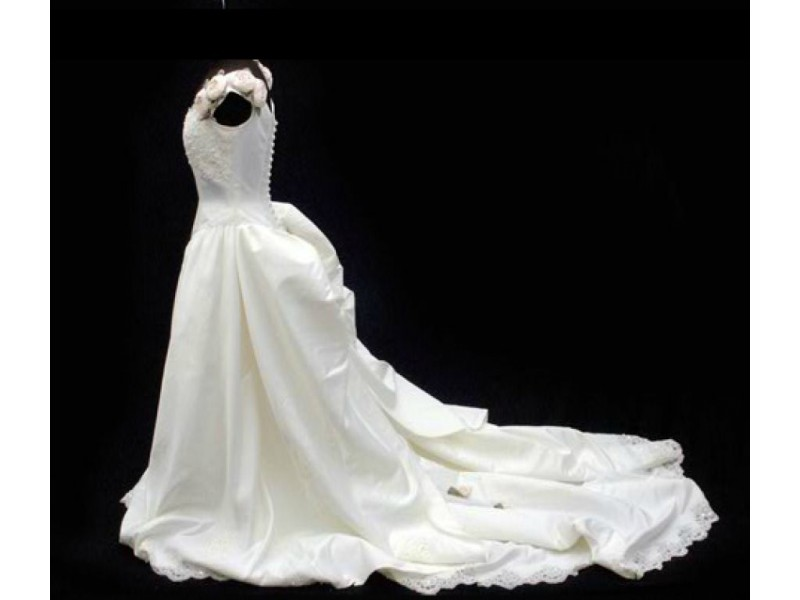 Simple Wedding Dresses Whitney Deal Bridal Gown 2: Royal Oak Wedding Dress Designer Made Whitney Houston