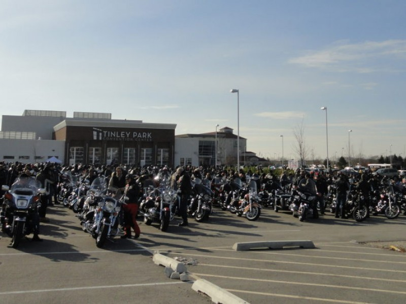 Motorcyclists Ride To Manteno From Tinley To Honor