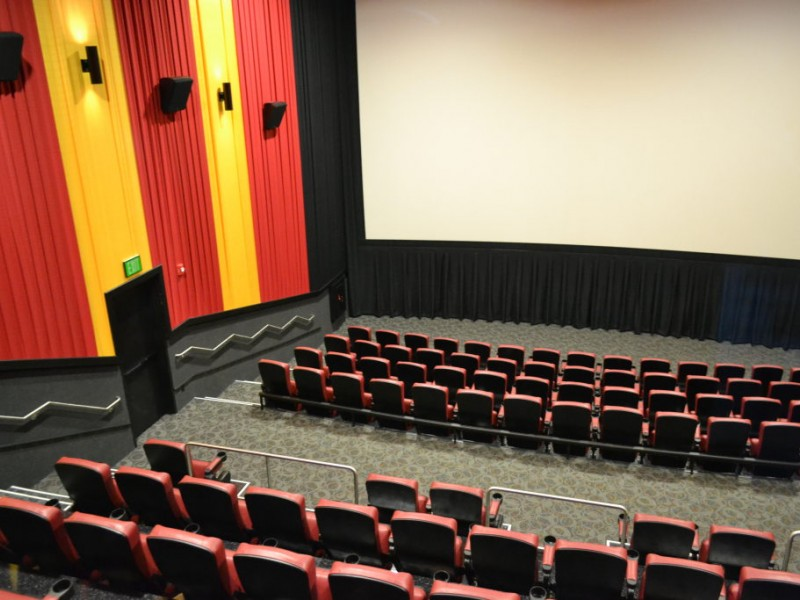 movie theater opens at westfield countryside mall