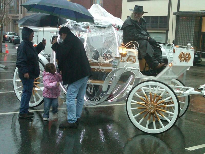 Los Gatos Holiday Carriage Rides Begin